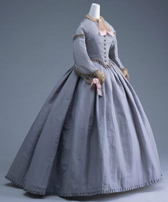The 1860s in Fashionable Gowns: A Visual Guide to theDecade